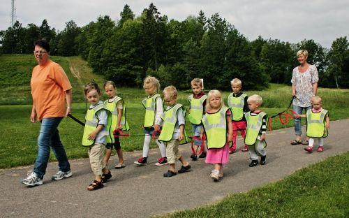 Jalutusköis lasteaeda, 14 aasaga, pikkus 4,2 m