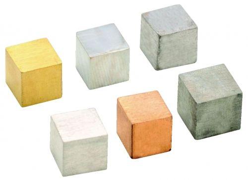 Kuubid eri materjalist sama suurusega, 6 tk,  10 x 10 x 10 mm.