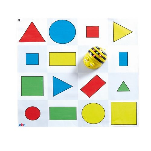 Värviliste geomeetriliste kujunditega matt Bee-Bot robotile