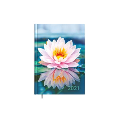 Raamatkalender MINISTER Disain Lily Nädal V  , A5, kõvaköide, pildiga kaaned, nädala sisu
